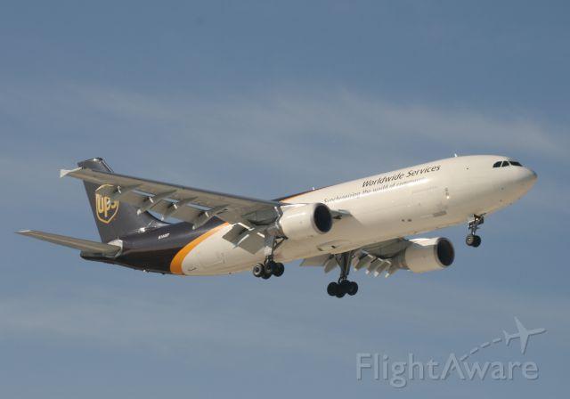 Airbus A300F4-600 (N144UP) - UPS 35L 3/13/11