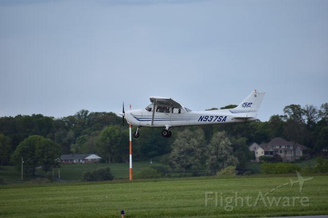 Cessna Skyhawk (N937SA)