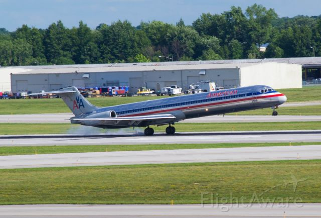 McDonnell Douglas MD-83 (N9625W)