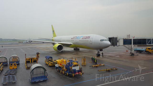 Boeing 777-200 (HL7743)