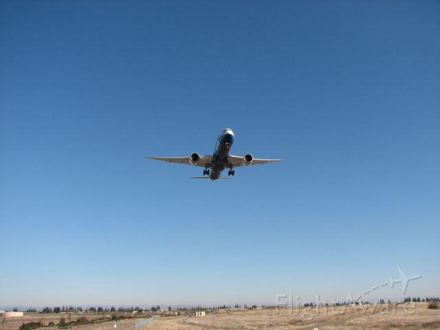 Boeing 787-9 Dreamliner (N789FT)