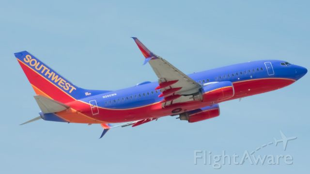 Boeing 737-700 (N260WN) - A Southwest 737 taking off from MDW