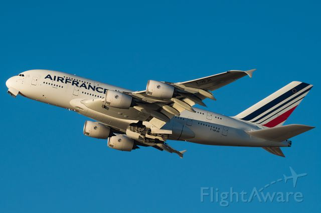 """Airbus A380-800 (F-HPJH) - Full Photo: <a rel=""""nofollow"""" href=""""http://www.jetphotos.net/photo/8139282"""">http://www.jetphotos.net/photo/8139282</a>"""