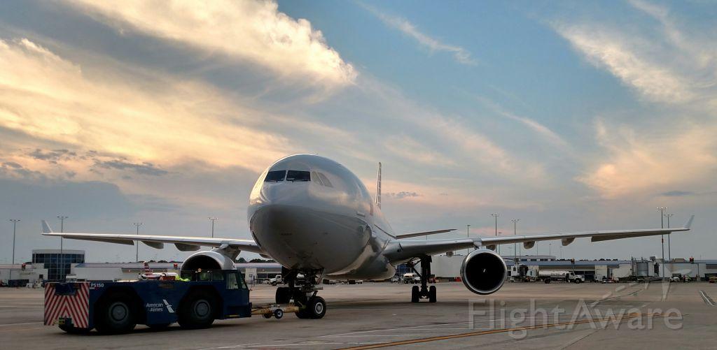 Airbus A330-300 (N278AY)