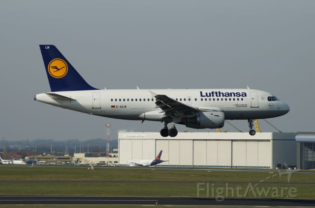Airbus A319 (D-AILM)