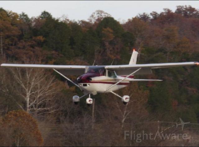 Cessna Skylane (N5127N)
