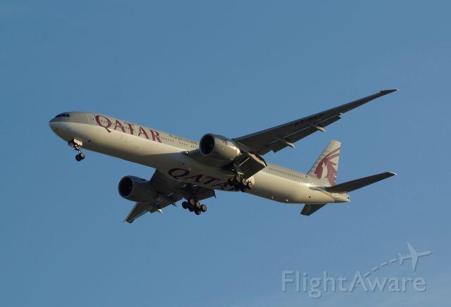 BOEING 777-300ER (A7-BEP)