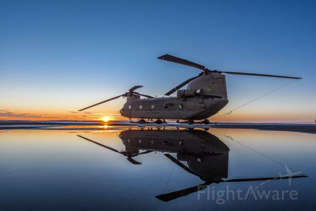 0708742 — - United States Army Chinook 07-08742 in Grande Prairie, Alberta, Canada