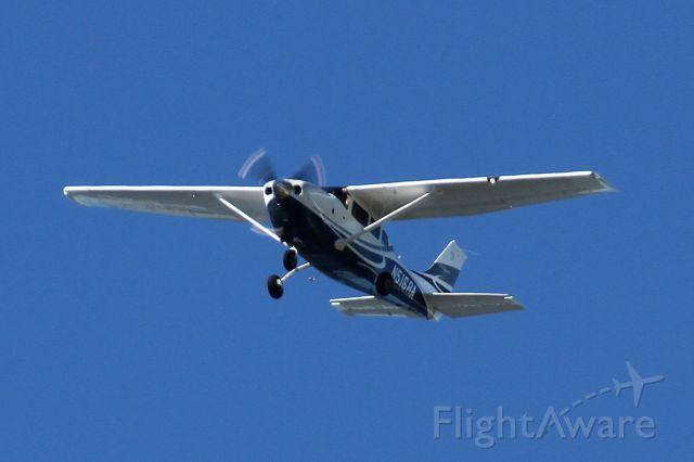 Cessna T206 Turbo Stationair (N516RA) - Over Mercer Island, WA