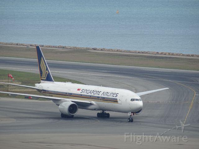 Boeing 777-200 (9V-SQM)
