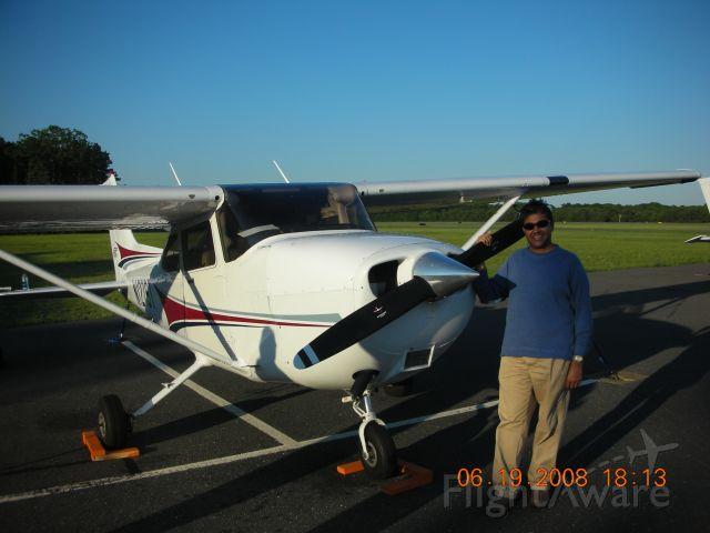 Cessna Skyhawk (N127ST)