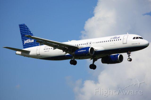 """Airbus A320 (N656JB) - """"California Blue"""""""