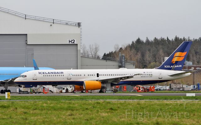 Boeing 757 200 tf fit flightaware for Table th td tf