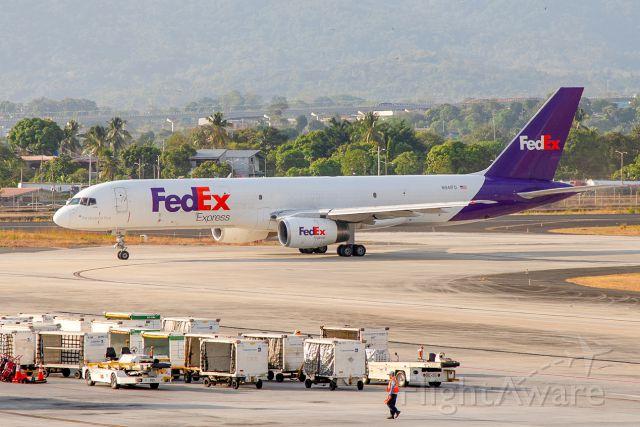 Boeing 757-200 (N941FD)