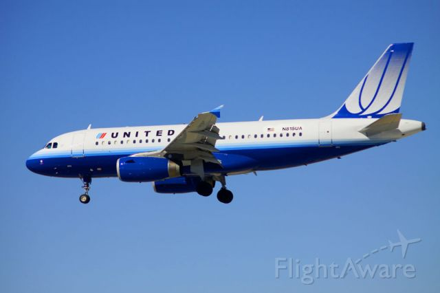 Airbus A319 (N815UA) - Arriving from KDEN, Landing 30L. 2010