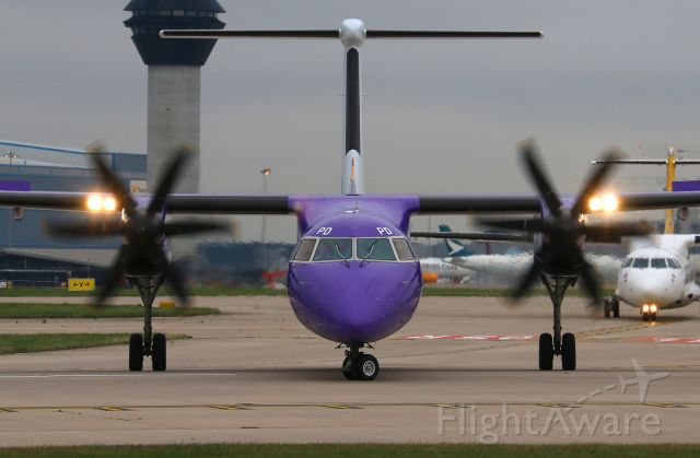 de Havilland Dash 8-400 (G-PRPD)