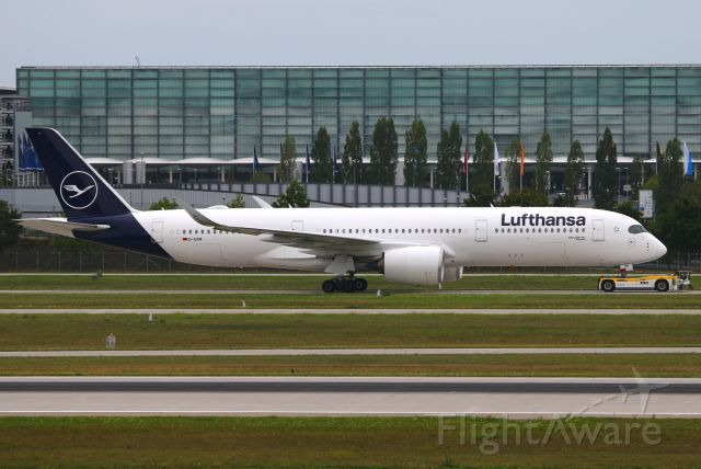 Airbus A350-900 (D-AIXM)