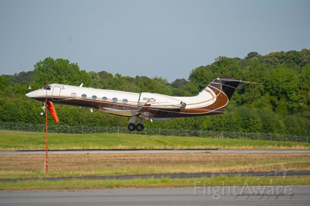 Gulfstream Aerospace Gulfstream IV (N236CA) - Departing PDK airport after taxiing to runway 2R.