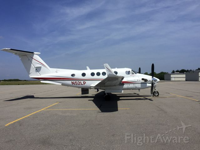 "Beechcraft Super King Air 300 (N52LP) - <a rel=""nofollow"" href=""http://www.safepilot.com"">http://www.safepilot.com</a>"
