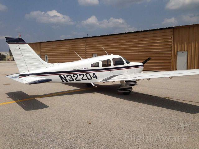 Piper Cherokee (N32204)