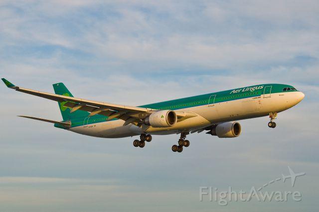 Airbus A330-300 (EI-EAV) - RONAN