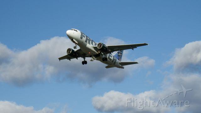Airbus A319 (N948FR)