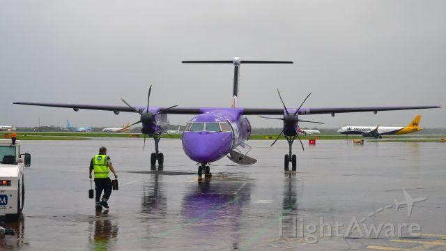de Havilland Dash 8-400 (G-FLBE) - Flybe De Havilland Canada DHC-8-402Q Dash 8 G-FLBE in Manchester
