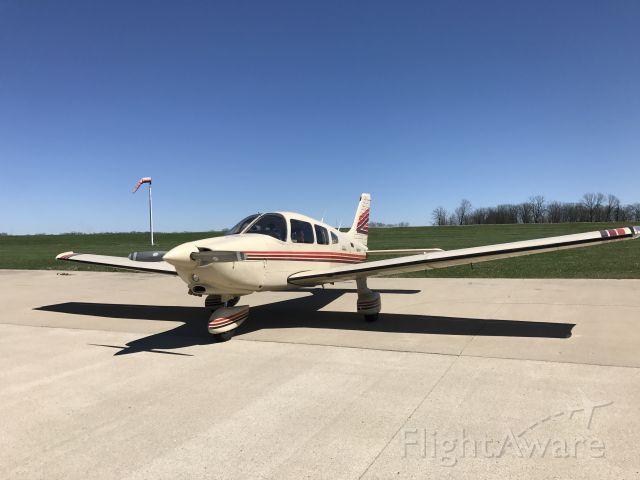 Piper Cherokee (N8384S)