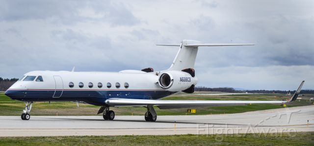 Gulfstream Aerospace Gulfstream V (N688CB) - Shot with a Nikon D3200 w/ Nikkor 70-300mm<br />Best viewed in Full Size