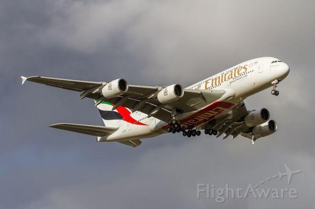 Airbus A380-800 (A6-EDB)