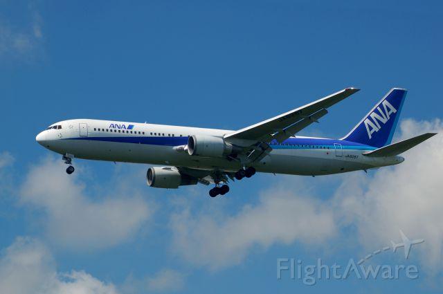 BOEING 767-300 (JA8287) - 2012-09-14