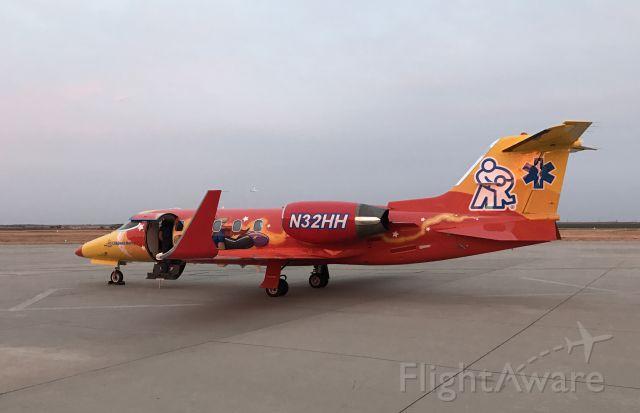 Learjet 31 (N32HH)