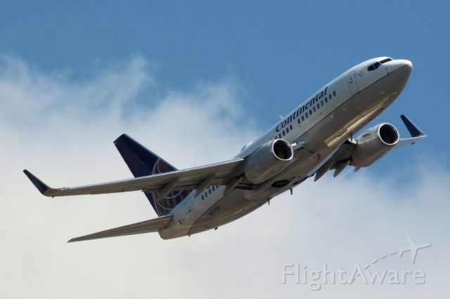 Boeing 737-700 (N17730) - Taken On 03-19-2011