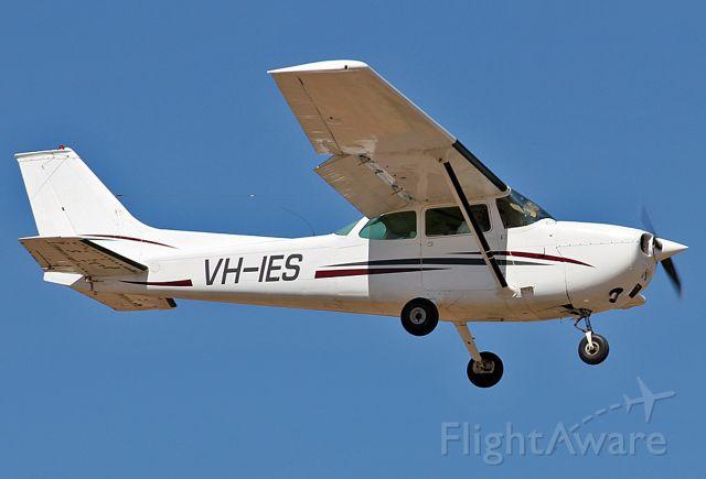 VH-IES — - CESSNA 172M - REG VH-IES (CN 172-62067) - ) PARAFIELD AIRPORT ADELAIDE SA. AUSTRALIA - YPPF (3/10/2014)