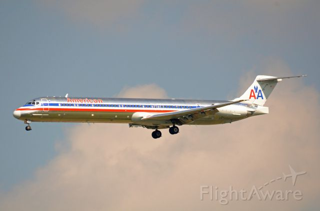 McDonnell Douglas MD-83 (N9622A) - Imaged on 5/23/12