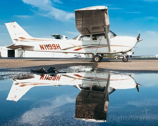 Cessna Skyhawk (N1199H)