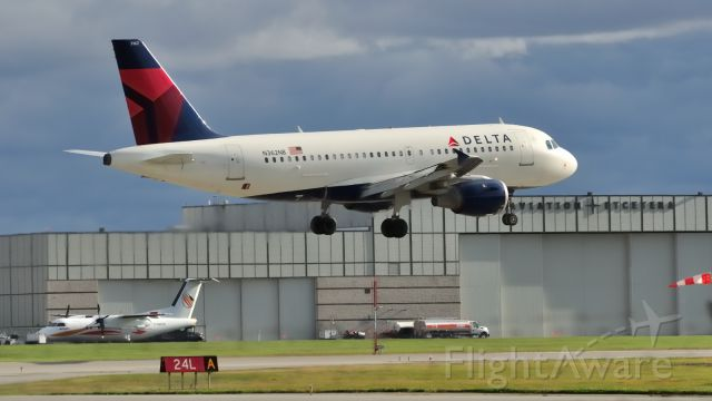 Airbus A319 (N362NB) - Taking the New York Rangers hockey club to Montreal.