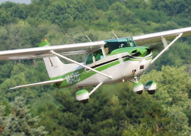 Cessna Skyhawk (N64297) - Flight Training