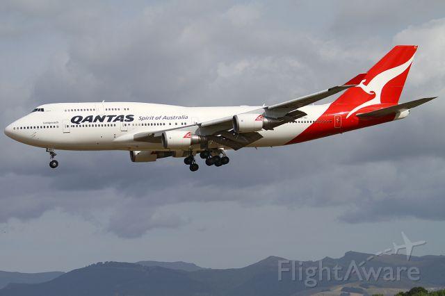 Boeing 747-400 (VH-OEI) - 8 JAN 2012