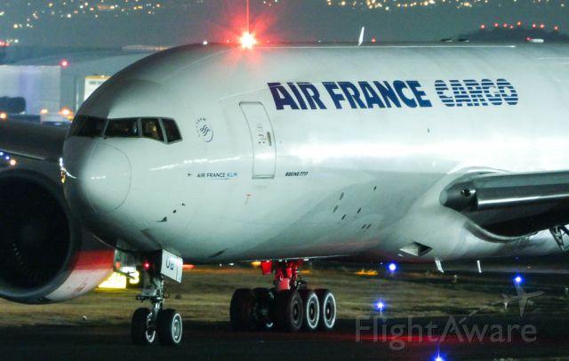 Boeing 777-200 (F-GUOB)