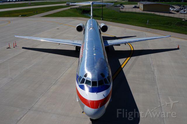 McDonnell Douglas MD-82 (N426AA)