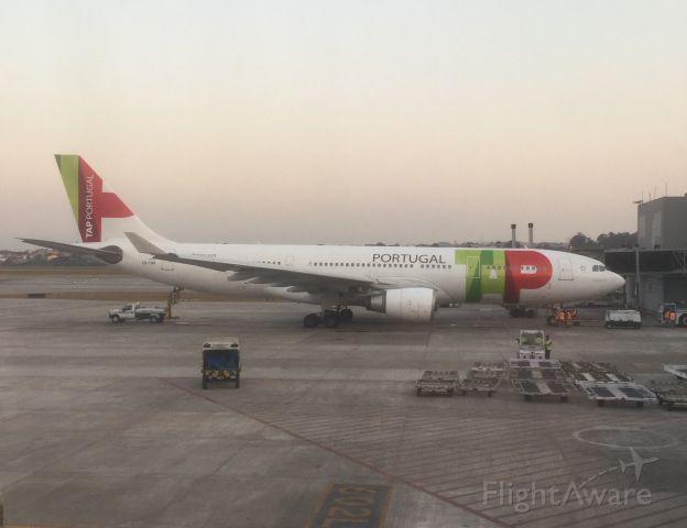 Airbus A330-300 (CS-TOR)