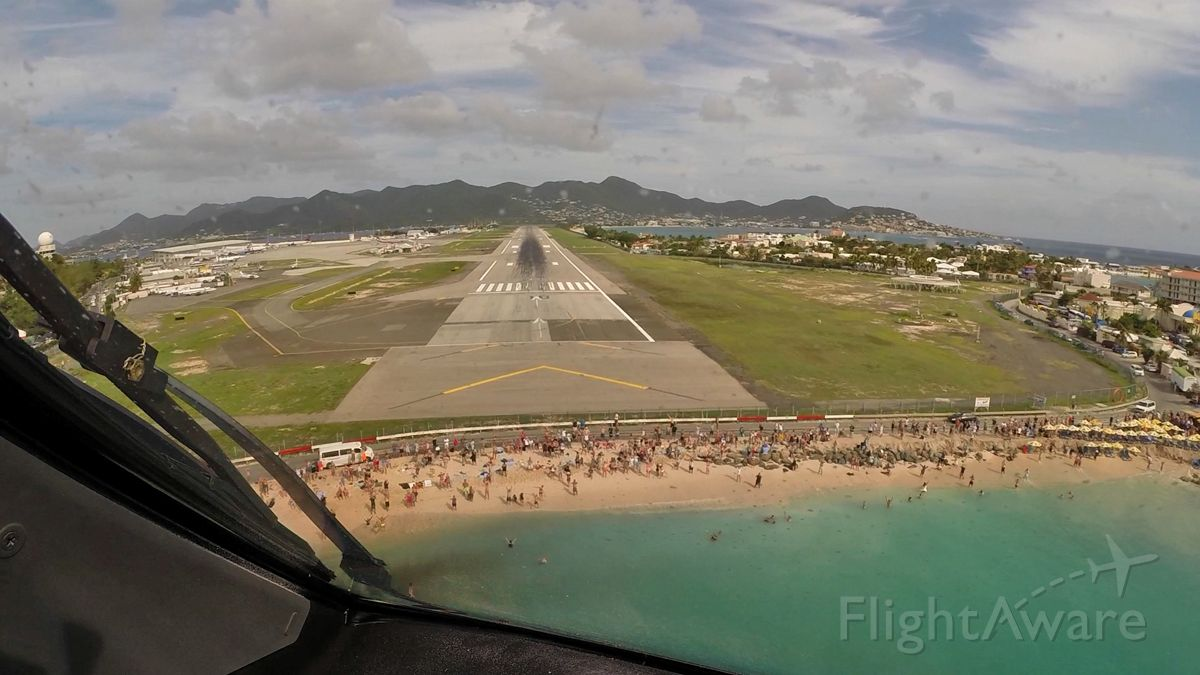 Boeing 787-8 (PH-TFM) - On short final at St Maarten with a great view over Maho Beach