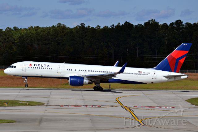 Boeing 757-200 (N535US)