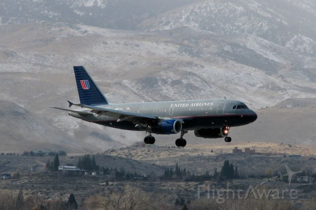 Airbus A319 (N817UA) - This photo was snapped just over a year ago as N817UA was on final to RTIA