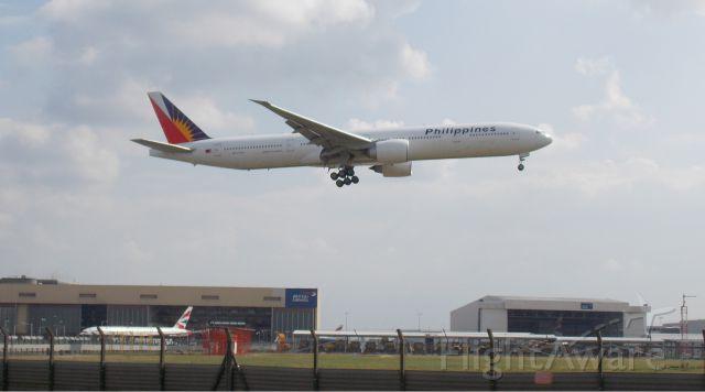 BOEING 777-300 (RP-C7776)