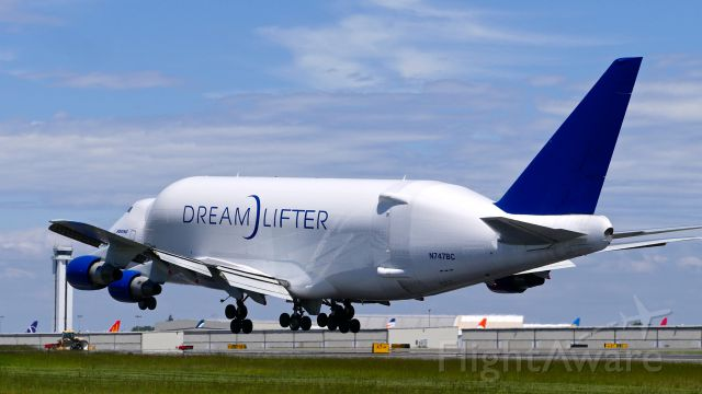 Boeing Dreamlifter (N747BC) - GTI4351 from KCHS on short final to Rwy 34L on 5.22.19. (B747-4J6(BLCF) / ln 904 / cn 25879).