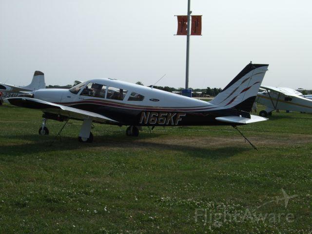 Piper Cherokee (N65KF)
