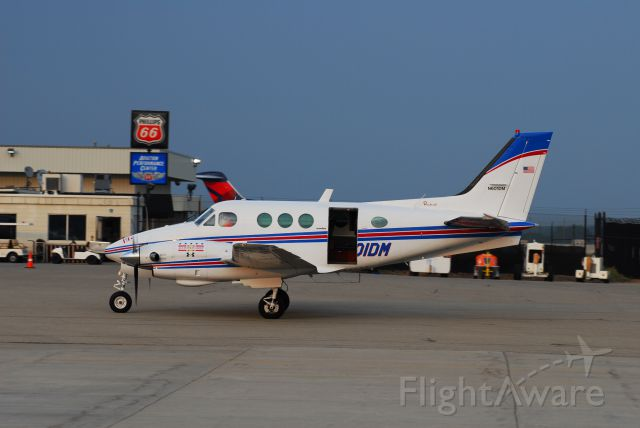 Beechcraft King Air 90 (N601DM)