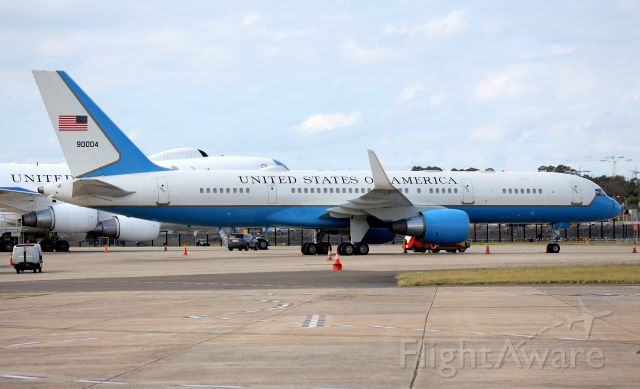 90004 — - Air Force 2 Carrying  V.P Mike Pence